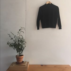 H&M MOCK NECK BLACK TOP