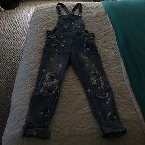 Super cute ripped overalls!