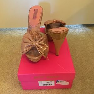 Betsey Johnson pink bow shoes