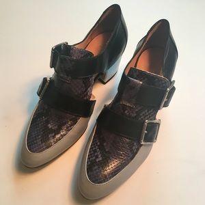 SAMPLE SALE FIND! Aquatalia double buckle heel