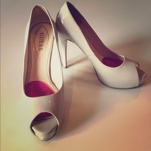 Guess peep toe nude patent leather heels