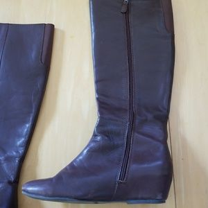 Rare chocolate brown boots