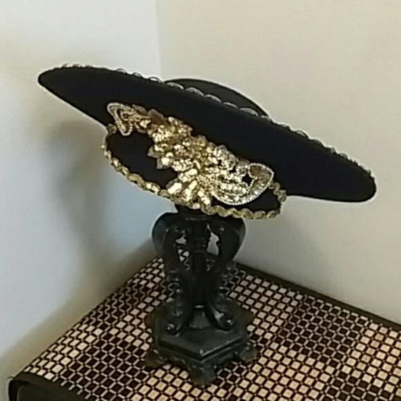 Vintage bolero style hat. M 59c7fc1936d594af1202cbd0 b7c57da11a6