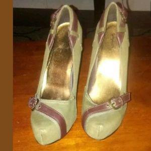 Cupid army green heels 7.5 size