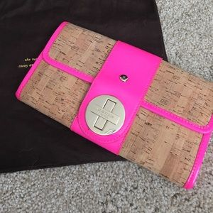 Cork clutch with chain strap