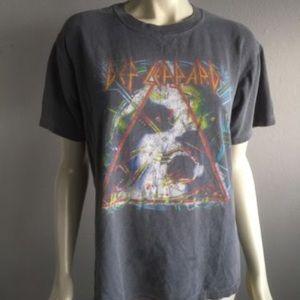 DEF LEPPARD 1980s Band Tshirt Music  VTG 90s small