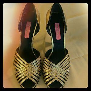 Betsey Johnson Black and Gold Heels Sz 8M