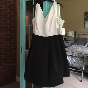 Black and white Jessica Simpson dress