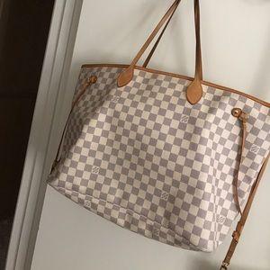 Louis Vuitton 💯 authentic GM 1 hour price drop!