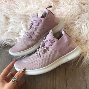 663842ca2a413 Nike Shoes - Nwt Nike Free rn cmtr 2017 lilac