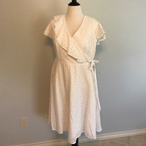 NWOT Eloquii white eyelet faux wrap dress 16!