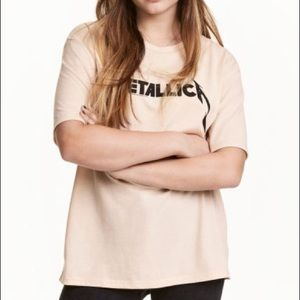 Tan Metallica tshirt