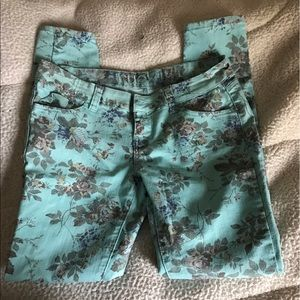 Floral Skinny Jeans Size 7/8