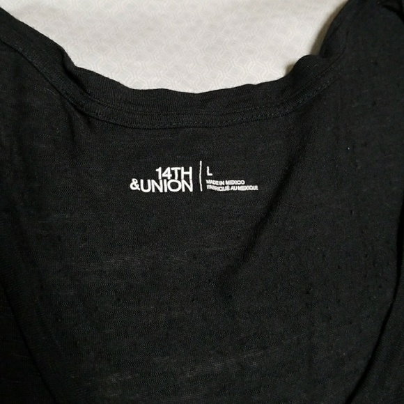 14th & Union Tops - Black scoop neck pocket tee - 14th &union