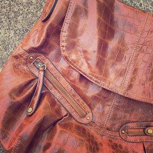 Elle brown purse!