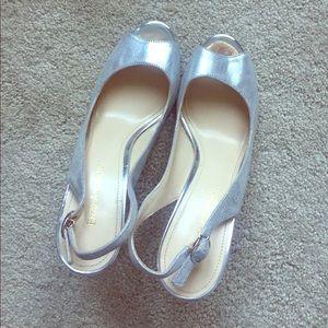 Shiny silver peep toes! Sz 8 EUC