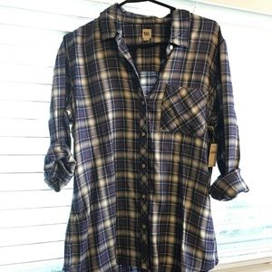 NWT Women's Gap button down size Large