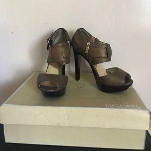 Authentic MICHAEL Michael Kors Open toe shoes