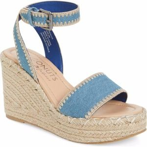 Coconuts by Matisse Frenchie Wedge Sandal Size 9M