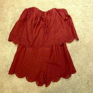 Burgundy lace strapless romper 🌹