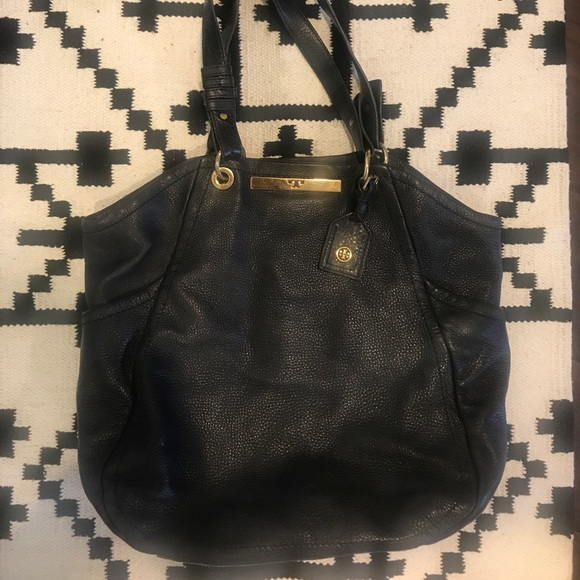 Tory Burch Handbags - Tory Burch black pebbled leather hobo bag gold