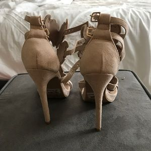 a8c48631b43 Windsor Shoes - Winged Goddess Heels! Size 6.5