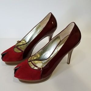 GUESS Peep-toe Leather Patent Pumps