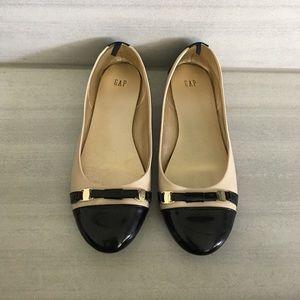 GAP Cream & Black Flats, size 8