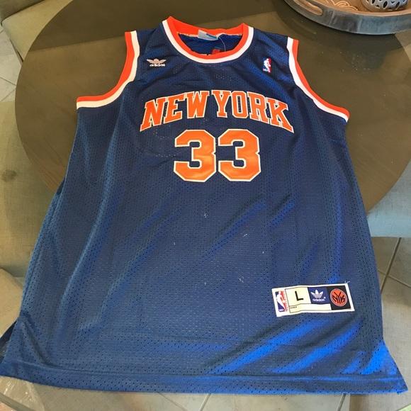 wholesale dealer b9926 ebb6d New York Knicks throwback Ewing jersey NWT