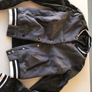 Jackets & Blazers - Button up jacket  with leather sleeves !