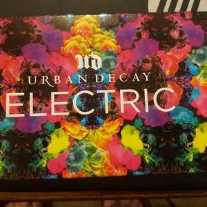 Urban Decay Electric Pressed Piglet Pallette