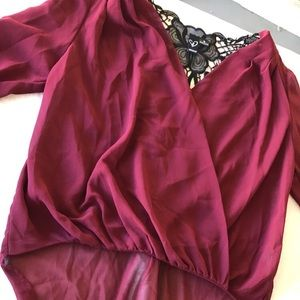 Tops - Beautiful Detailed blouse !