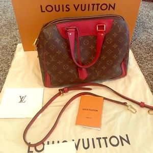 Louis Vuitton 95% look new with box