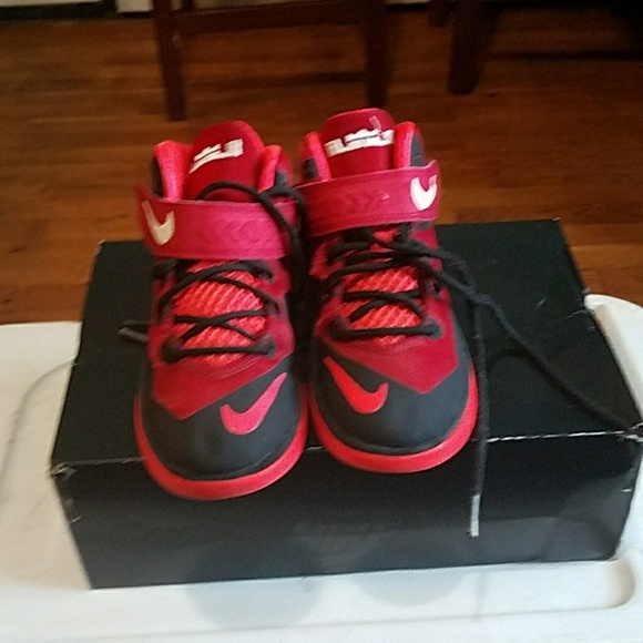 44ed0663a4910 LeBron Other - LeBron sneakers kids size 13