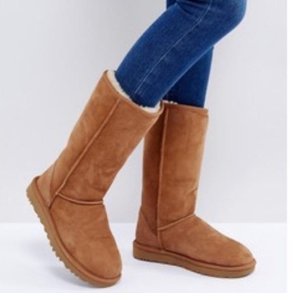 UGG Women's Classic Ii Genuine Shearling-Lined Mini Boots ebP5R