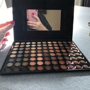 88 eyeshadow palette w/ mirror & case - gentle use