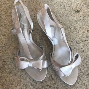 Nina silver dress shoes! Perfect condition.