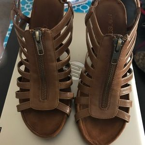 WEDGE ZIP UP OPEN TOE STRAPPY SHOES