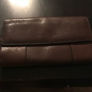 Kenneth Cole genuine brown leather wallet