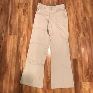 Never worn Lee No Gap trouser. Khaki. Size 6.