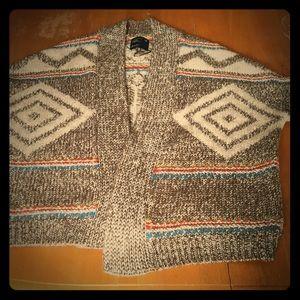 Tribal print short sleeve sweater