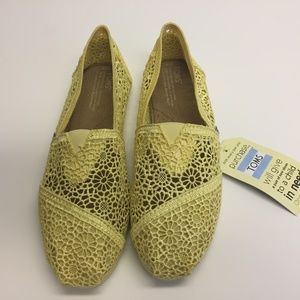 9ed1010ff11 Toms Shoes - Tom s Lemon Crochet - Size 9 - Brand New
