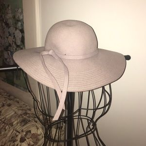 Dusty Lavender floppy hat 💯 % wool