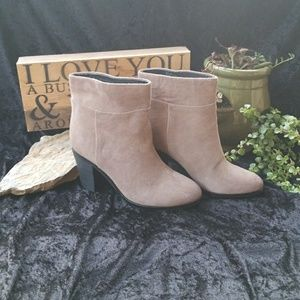 Kenneth Cole New York Suede Allie Booties