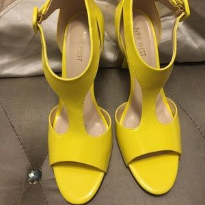 9 west bright yellow heels