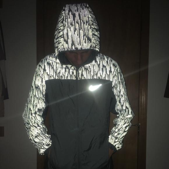100% authentic db028 a1f72 Men s Nike flash jacket. M 59c8427ba88e7d6a8f045862
