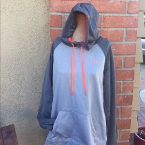 Grey Under Armour sweater size Large