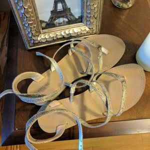 Strappy snakeskin print sandals 7.5