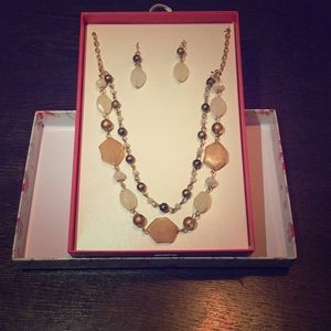 Jewelry - Beautiful earring and necklace set!