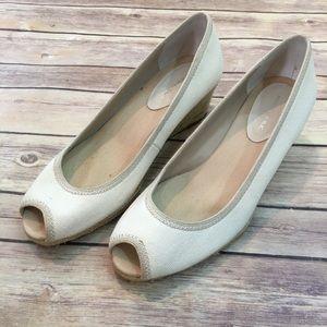 🎒Banana Republic 8.5 Canvas Open Toe Wedge Heels